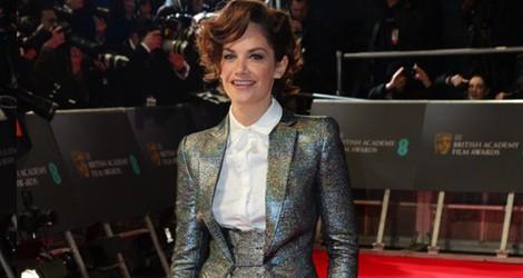 Ruth Wilson con un traje de Antonio Berardi en la alfombra roja de los Premios BAFTA 2014