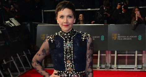 Maggie Gyllenhaal con un vestido de Lanvin en la alfombra roja de los Premios BAFTA 2014