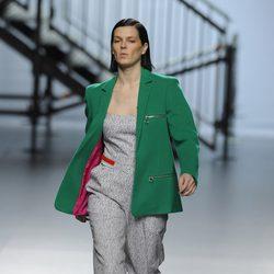 Bimba Bosé abre el desfile de la colección otoño/invierno 2014/2015 de Davidelfin en Madrid Fashion Week