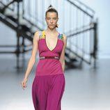 Vestido fucsia de la colección otoño/invierno 2014/2015 de Davidelfin en Madrid Fashion Week