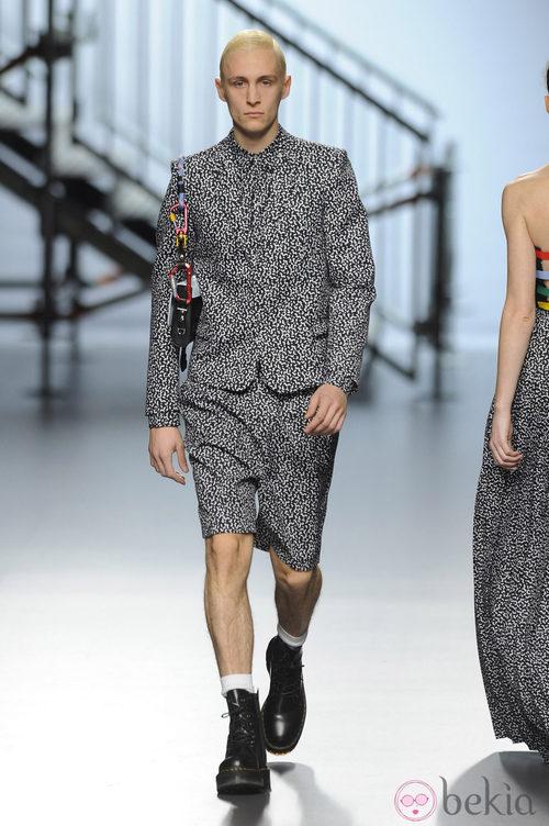 Total look estampado de la colección otoño/invierno 2014/2015 de Davidelfin en Madrid Fashion Week