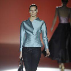 Pantalón y blusa de la colección otoño/invierno 2014/2015 de Hannibal Laguna en Madrid Fashion Week