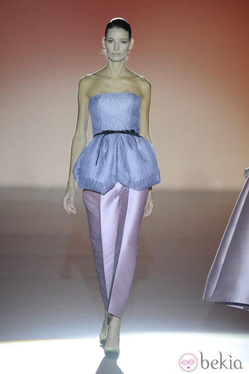 Pantalón capri de la colección otoño/invierno 2014/2015 de Hannibal Laguna en Madrid Fashion Week