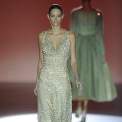 Vestido largo de la colección otoño/invierno 2014/2015 de Hannibal Laguna en Madrid Fashion Week