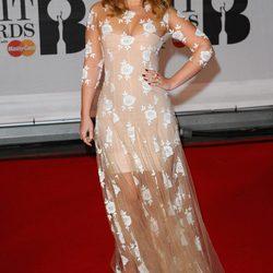 Looks de la alfombra roja de los Brit Awards 2014