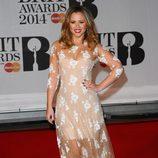 Kimberley Walsh con un vestido de Blumarine en la alfombra roja de los Brit Awards 2014