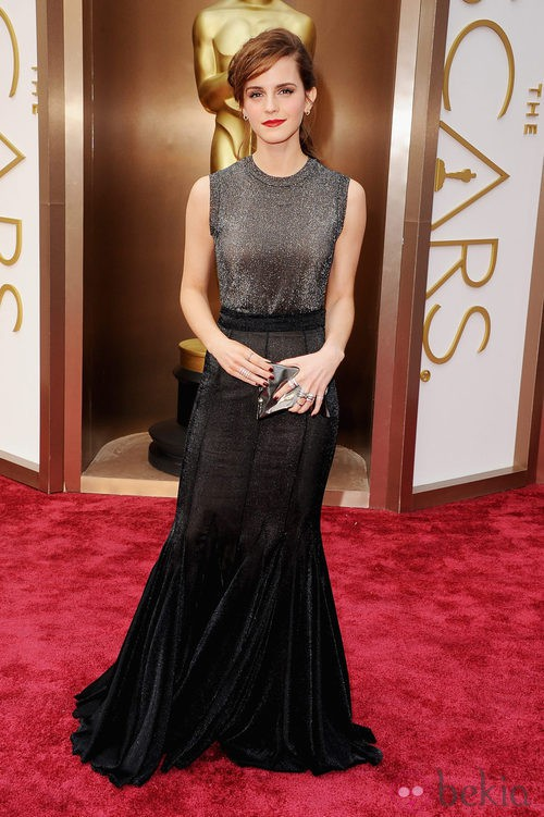 Emma Watson vestida de Vera Wang en la alfombra roja de los Premios Oscar 2014