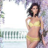 Marica Pellegrinelli posando con un conjunto de la nueva colección para primavera 2014 de Yamamay