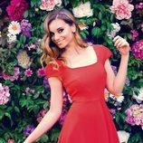 Norma Ruiz con un vestido rojo lady de la colección primavera/verano 2014 de Barbarella