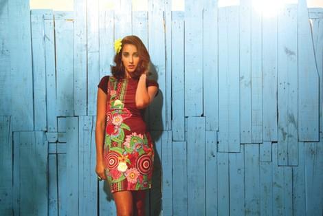 Vestido con estampado tropical y formas geométricas de la colección primavera/verano 2014 de Smash!