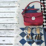 Bolso y sandalias de la colección primavera/verano 2014 de Indi & cold