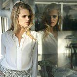 Conjunto de blusa blanca y falda estampada de la colección primavera/verano 2014 de Indi & cold