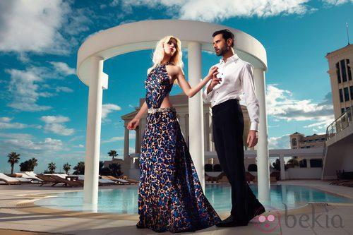 Vestido largo con abertura en la cintura de la colección primavera/verano 2014 de Adriana Iglesias
