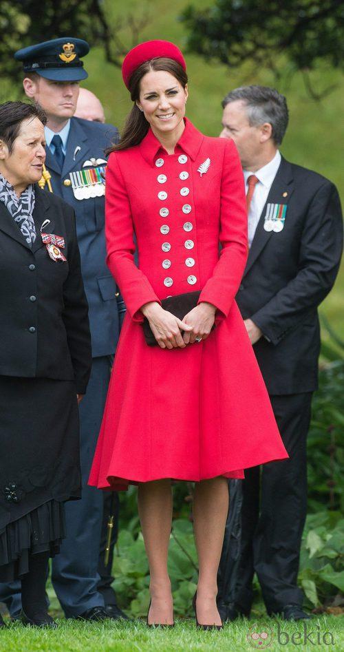 La Duquesa de Cambridge con un look muy Jackie Kennedy en Nueva Zelanda