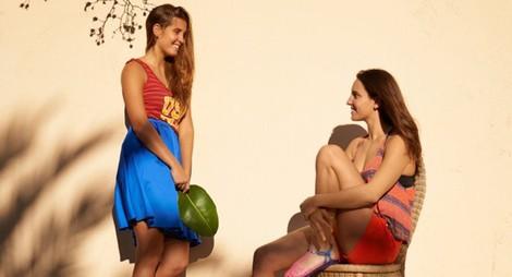 Clara y Anni Espar posan para la colección de verano 2014 de Igor