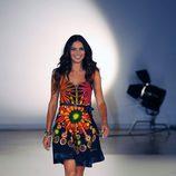 Adriana Lima desfila para Desigual primavera/verano 2014 en la 080 Barcelona Fashion