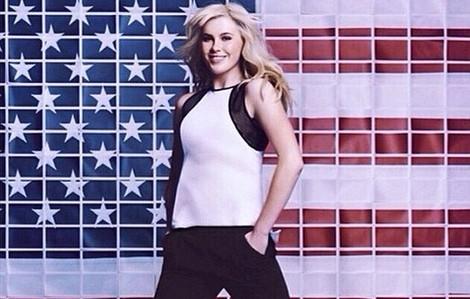 Ireland Baldwin posa para la firma 'Macy' en la campaña de Calvin Klein 2014