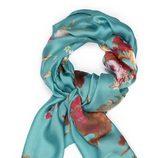 Pañuelo turquesa con motivos de la colección primavera/verano 2014 de Tantrend
