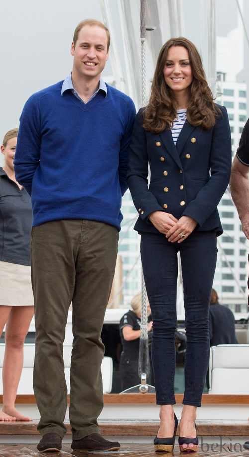 La Duquesa de Cambridge con un outfit 'navy' en Nueva Zelanda