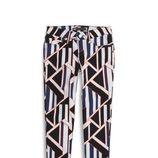Pantalón de pitillo con estampado geométrico de la colección primavera/verano 2014 de Levi's