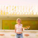 Crop top en tonos pastel y pantalón 'boyfriend' de la colección primavera/verano 2014 de Levi's