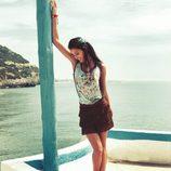 Blusa con estampado floral y falda de flecos de la colección para verano 2014 de Mismash