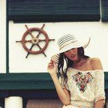 Vestido de encaje con detalles florales y cenefas de la colección para verano 2014 de Mismash