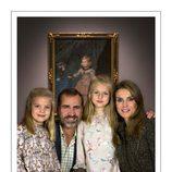 Las Infantas Sofía y Leonor en la felicitación de Navidad 2013