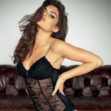 Alyssa Miller con body de encaje de Intimissimi, colección otoño 2011