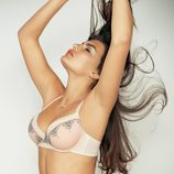 Alyssa Miller en sujetador para Intimissimi, colección otoño 2011
