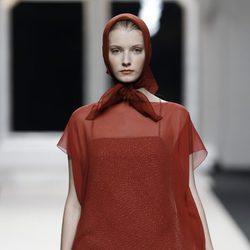 Vestido con transparencias de Jesús del Pozo en Cibeles, colección primavera de 2012