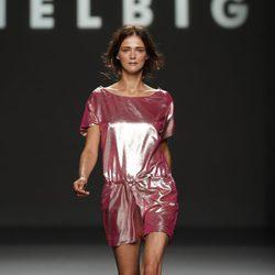 Mono rosa metalizado de Teresa Helbig, colección primavera de 2012