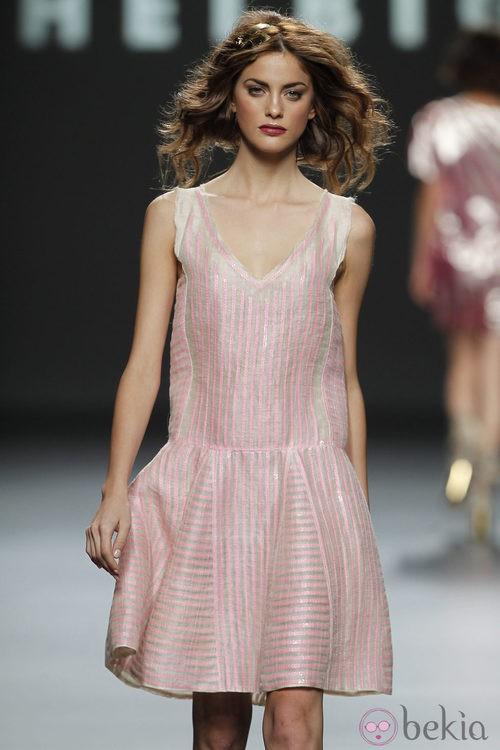 Vestido con lentejuelas rosas de Teresa Helbig, colección primavera de 2012