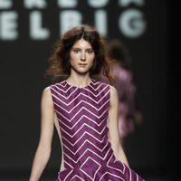 Falda con vuelo a rayas de Teresa Helbig, colección primavera de 2012