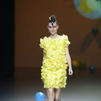 Vestido amarillo de Ágatha Ruiz de la Prada en Cibeles