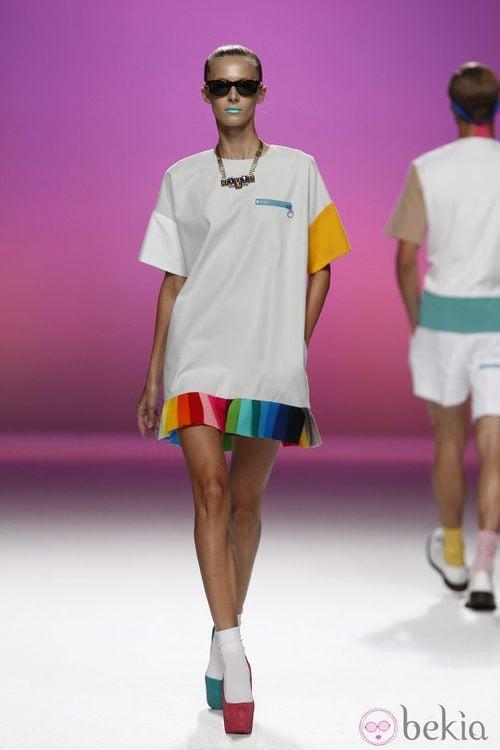 Vestido con bajo multicolor de Davidelfín, colección primavera 2012