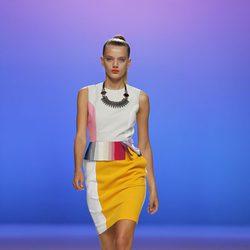 Vestido multicolor con falda amarilla de Davidelfín, colección primavera 2012