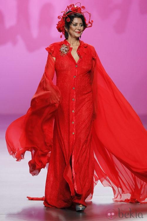 Vestido vaporoso rojo de Montesinos, colección primavera 2012