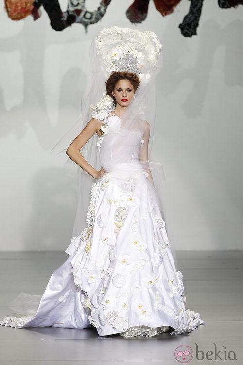 Vestido de novia de Montesinos, colección primavera 2012