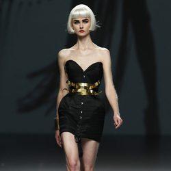 Vestido corsé de Maya Hansen en Cibeles, colección de primavera de 2012