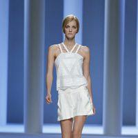 Vestido blanco de la colección primavera 2012 de Sita Murt en Cibeles