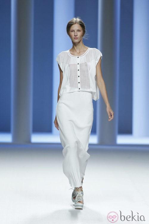 Conjunto blanco de la colección primavera 2012 de Sita Murt en Cibeles
