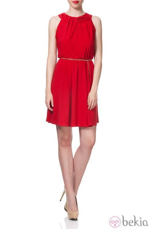 Vestido corto en rojo intenso de la Colección Crucero 2014 de Poète