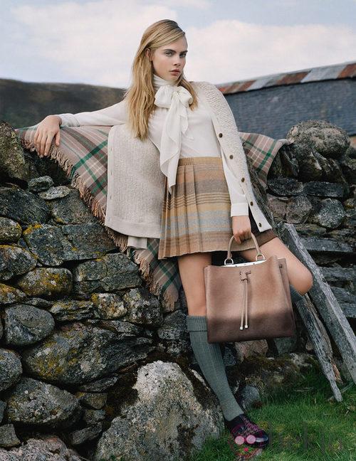 Cara Delevingne, estilo clásico y colegial para Mulberry a/w 2014