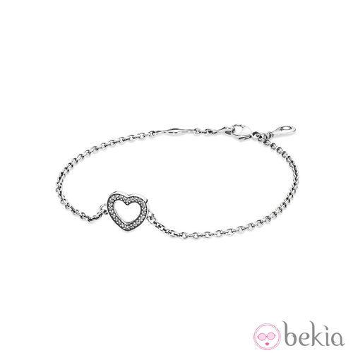 Brazalete con el símbolo del corazón de la colección para otoño 2014 de Pandora