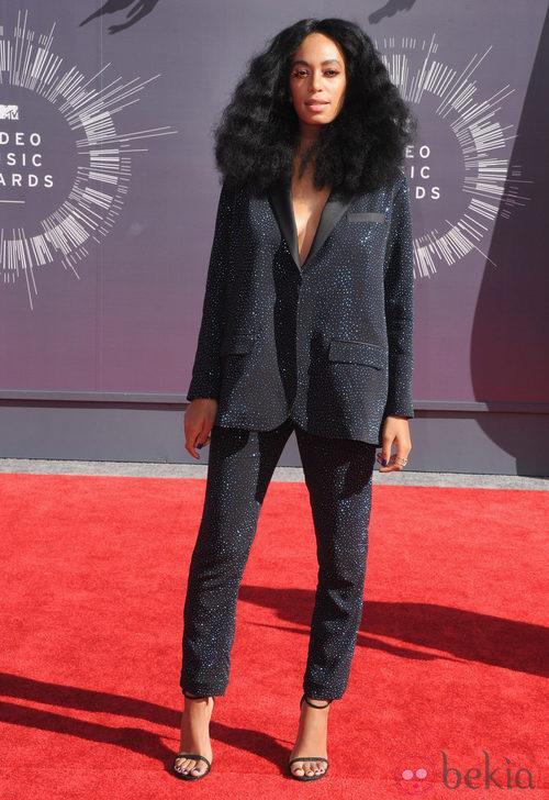Solange Knowles con traje de H&M Studio Collection en los MTV Video Music Awards 2014