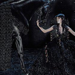 Campaña otoño/invierno 2014 de Alexander McQueen con Edie Campbell