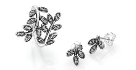 pendientes y anillo de pandora