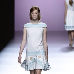 Vestido de rayas de Devota & Lomba en Madrid Fashion Week pirmavera/verano 2015