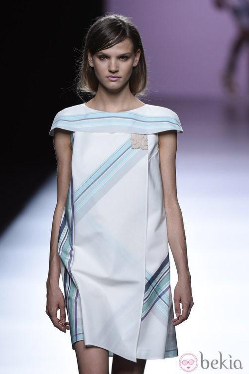 Vestido geométrico de Devota & Lomba en Madrid Fashion Week primavera/verano 2015